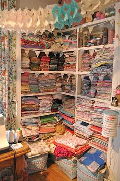 A quilters love! This would be Awesome!!!