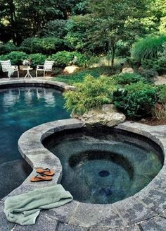 Stone is a great material for pools and outdoor jacuzzis because it blends with surroundings really well.