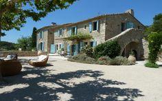 Férias na França na Antiga Fazenda de Provence | Matueté Villas