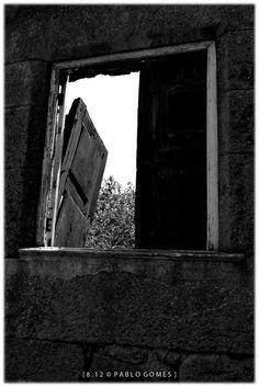 [2012 - Castelo Rodrigo - Portugal] #fotografia #fotografias #photography #foto #fotos #photo #photos #local #locais #locals #cidade #cidades #ciudad #ciudades #city #cities #europa #europe #janela #janelas #ventana #ventanas #window #windows #turismo #tourism @Visit Portugal @ePortugal