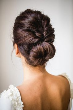 Hairdressing Advice That Will Keep Your Hair Looking Great – Hair Wonders Ethnic Hairstyles, Vintage Hairstyles, Bun Hairstyles, Pretty Hairstyles, Wedding Hairstyles, Hairdos, Cute Hairstyles For School, Wedding Hair Inspiration, Bad Hair