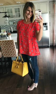 The cutest floral peplum back top for spring with a pop of yellow! Fashion Over 50, Look Fashion, Spring Fashion, Fashion Outfits, Kourtney Kardashian, Living In Yellow, Casual Outfits, Cute Outfits, Modest Outfits