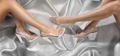 ¿no te casarías otra vez? #Magrit #novia #boda ALMUDENA #PeepToe con plataforma, totalmente transparente con un collar de perlas que flotan sobre tus pies. http://www.magrit.es/es-ES/almudena-perlas-390 #Magrit JAZZEL #PeepToe destalonado completamente transparente adornado con pequeñas perlas. http://www.magrit.es/es-ES/jazel-perla-391 ------------------------------- not you marry again?#Magrit ALMUDENA #PeepToe with platform, fully transparent with a pearl necklace around your…