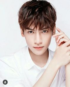 Handsome Male Actors, Handsome Boys, Asian Actors, Korean Actors, Asian Male Model, Vans Hi, Asian Hotties, Korean Art, Chinese Boy
