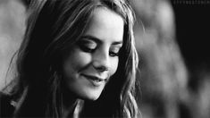 Kaya Scodelario - Gif Hunt Disclaimer: No gifs are mine, and all rights belong to their makers. Aesthetic Gif, Character Aesthetic, Aesthetic Makeup, Kaya Scodelario Skins, Kathryn Prescott, Effy Stonem, Skins Uk, Spin Out, Gossip Girl Fashion