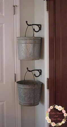 Baldes Perfect for laundry room missing socks Galvanized Bucket Storage Laundry Room Makeover, Farmhouse Decor, Laundry Mud Room, Room Makeover, Room Remodeling, Galvanized Buckets, Room Organization, Laundry Room Decor, Home Decor