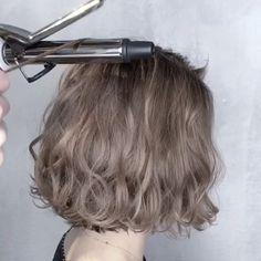 Short Hair Makeup, Short Permed Hair, Medium Hair Styles, Curly Hair Styles, Brown Hair Color Shades, Korean Hair Color, Chi Hair Products, Shot Hair Styles, Blonde Hair Looks