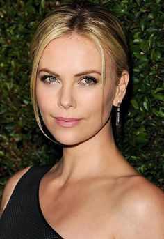 Charlize Theron's Hair and Makeup Secrets