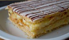 Mille-feuille comme à la pâtisserie au Thermomix,recette d'un délicieux gâteau à base de pâte feuilletée fine et croustillante, une crème pâtissière parfumée à la vanille et un glaçage blanc au sucre glace.