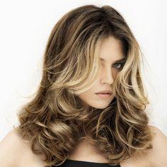 Cepillado Flexible:  Dale un toque de luz solar al cabello, con la nueva tecnología #IdianSun, que aporta luminosidad al contorno de tu rostro, con la utilización de un sistema de luz y colores naturales.