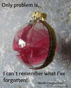 DIY Decorations For A Geektastic Holiday Neville's Remembrall Ornament -- Community Post: 12 DIY Decorations For A Geektastic Holiday - why not make a Harry Potter inspired ornaments with Neville's Remembrall?Neville's Remembrall Ornament -- Communi Deco Noel Harry Potter, Cadeau Harry Potter, Estilo Harry Potter, Theme Harry Potter, Harry Potter Birthday, Harry Potter Diy, Harry Potter Christmas Decorations, Harry Potter Christmas Tree, Hogwarts Christmas