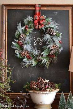 41 Modern Rustic Christmas Decorations And Wreaths Ideas. The Christmas season is fast approaching and nothing makes the holidays any brighter than eye-catching Christmas decorating ideas to jazz up y. Cottage Christmas, Noel Christmas, Merry Little Christmas, Country Christmas, Winter Christmas, Christmas Wreaths, Christmas Crafts, Christmas Decorations, Christmas Entryway