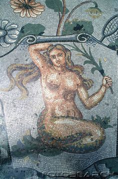 antiguo mosaico romano, representando a una sirena