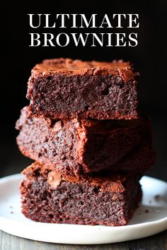 Ultimate Brownies are homemade and ultra thick, fudgy, chewy, and chocolaty with that perfect crinkly crust on top. Easy, from scratch recipe – you'll never go back to a boxed mix! Easy Homemade Brownies The Hummingbird Bakery's traditional brownie Cocoa Brownies, Nutella Brownies, Chewy Brownies, Homemade Brownies, Best Brownies, Brownie Cake, Boxed Brownies, Brownies From Scratch, Desert Recipes