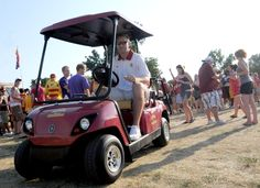 Iowa State mens basketball head coach Fred Hoiberg visits tailgaiting students south of University Avenue Saturday in Ames. Photo by Eli Hamann/Ames Tribune