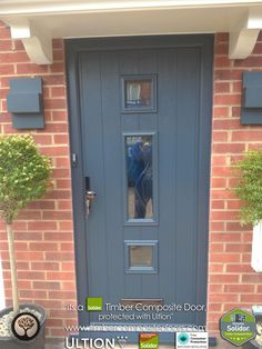 Solidor Composite Doors by Timber Composite Doors the largest range of Timber Core Composite Doors, Stable Doors fitted Nationwide. Design your new door today. Grey Composite Front Door, Grey Front Doors, Front Door Porch, Front Door Colors, House Front, Country Living Room Rustic, Front Door Hardware, Contemporary Front Doors, Entrance Doors