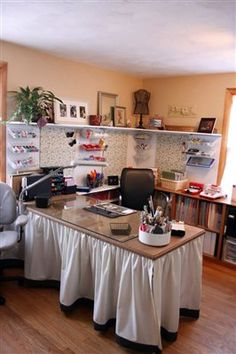 Someday....I'd love to create a workspace for myself in the basement....will file this skirting idea to remind me in the future.