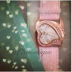 💵💸ЅᎯℒℰ💗Heart Attack! BNIB Rosé gold and vintage rose glass stone heart watch. Pastel pink band with buckle.  Two in stock. Comes in gift box. Quartz. Needs 🆕 battery eL7e Accessories Watches