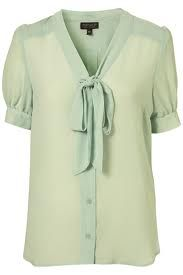 Some gorgeous trends - that are still popular today! Starting with the pussybow blouse! Mint Green Shirts, Mint Green Tops, Mint Top, Mint Shirt, Cute Outfits With Shorts, Short Outfits, Mint Blouse, Green Blouse, Pretty Shirts