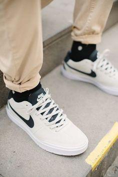 4a23b2dd9df8 Nike Bruin Hyperfeel Prova on feet 2