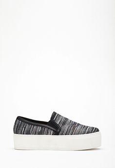 d48e3b26eb A(z) SlipOn nevű tábla 21 legjobb képe | Slippers, Shoes sandals és ...