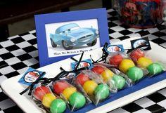 Traffic light cake ball party favors