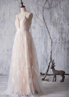 Wedding Dress Champagne Tulle Bridesmaid Dress Spaghetti Strap Bridal Dress Lace Maxi Bride Dress Backless A-Line Long Eveing - Mode - Bridesmaid Dresses Long Champagne, Beige Bridesmaids, Tulle Bridesmaid Dress, Wedding Dresses With Straps, Backless Prom Dresses, Long Wedding Dresses, Tulle Dress, Bridal Dresses, Champagne Dress