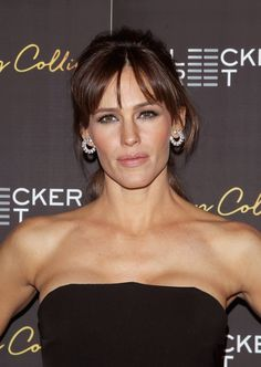 Pin for Later: Jennifer Garner Looks Absolutely Stunning While Promoting Her Latest Movie