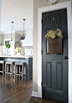 black interior doors how to Most every room can take some black accents -- they are my favorite decorating accessory! Whether it be accent walls, chalkboards or black interior doors, black add some much needed contrast to most rooms. Interior Door Colors, Painted Interior Doors, Black Interior Doors, Black Doors, Painted Doors, Wood Doors, Home Interior, Interior Design, Entry Doors