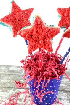 Red, White & Blue Rice Krispie Stars Recipe for July Rice Krispie Treats, Rice Krispies, Stars Recipe, Star Cookie Cutter, Diy Craft Projects, Crafts, Craft Ideas, Star Cookies, Star Food