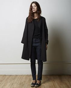 La Garçonne Moderne / Painter Coat #minimalist #fashion #style