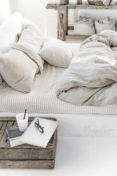 Linen bedding set in Natural Linen (Oatmeal) color (duvet cover + 2 pillowcases). US King, Queen - Bed and Bedcover Queen Bedding Sets, Duvet Sets, Duvet Cover Sets, Full Size Duvet Cover, Cute Duvet Covers, Bed Duvet Covers, Luxury Duvet Covers, Luxury Bedding Sets, White Bedrooms
