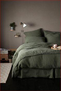 Olive Green Bedrooms, Green Rooms, Bedroom Green, Dream Bedroom, Home Bedroom, Olive Bedroom, Woodsy Bedroom, 1980s Bedroom, Target Bedroom