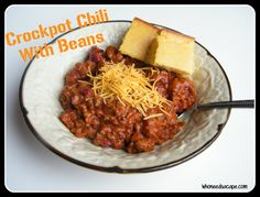 Crockpot Chili with Beans - perfect for a cold winter day! - simple chili - add half a jar of pickled jalapeños Crock Pot Soup, Crock Pot Slow Cooker, Crock Pot Cooking, Slow Cooker Recipes, Crockpot Recipes, Cooking Recipes, Crock Pots, Korma, Biryani