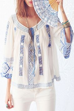 Color Block Embroidery Tie-Up Long Sleeve Shirt
