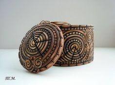 extruded strings bracelet