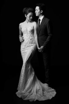 Best Photography Poses Couples Beautiful Ideas photography is part of Bride groom poses - Pre Wedding Poses, Wedding Picture Poses, Wedding Couple Poses, Pre Wedding Photoshoot, Wedding Pictures, Wedding Ideas, Wedding Details, Korean Wedding Photography, Couple Photography Poses