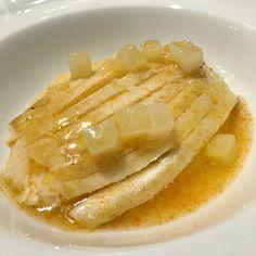 Raya asada, sopa de sus espinas, bimis y patatas, una raya-alabaster-planeta-en-conserva