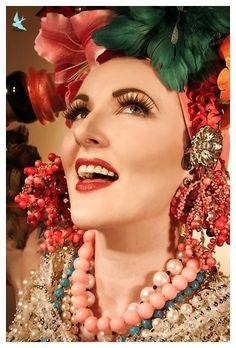 carmen miranda look Carmen Miranda, Chiquita Banana Costume, Havana Nights, May Weddings, Thinking Day, Hippie Bohemian, Color Inspiration, Movie Stars, Style Icons