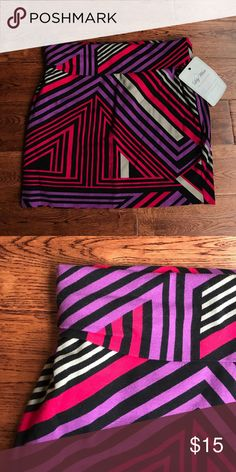 Lily White mini skirt Geometric print mini skirt. Size medium Lily White Skirts Mini