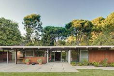 Typical Mid Century Modern, ranch style home...sprawling and beautiful