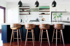 Here are five of the best kitchen design ideas to help you choose a kitchen layout that will suit your needs and style. Kitchen inspiration, coming right up. Kitchen Island Bench, Kitchen Stools, Kitchen Flooring, Bar Stools, Kitchen Dining, Island Bar, Counter Stools, Layout Design, Design Ideas