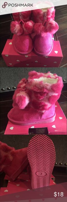 New Pink Pompom Boots Sz 7 - Toddler Never Used Pink Pompom boots for Toddler. My daughter just outgrew this boots and never got a chance to wear it. True to size. Price negotiable. Shoes Boots