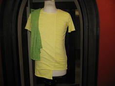 T-Shirt assimetrica girocollo