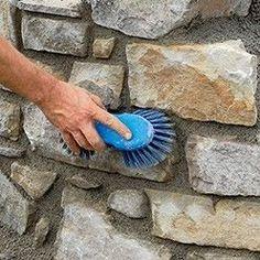 nettoyer le muret en pierres naturelles