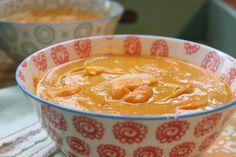 Low Carb Rezepte von Happy Carb: Thai-Kürbissuppe mit Garnelen - Eine fruchtige Thai-Kürbissuppe mit feiner Schärfe.