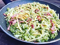 Brokolice recept Healthy Recipes, Healthy Food, Cabbage, Spaghetti, Vegetables, Ethnic Recipes, Building, Healthy Foods, Buildings