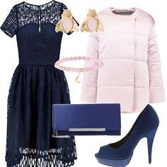 Proposta per cerimonie inaspettate nei mesi freddi. Abito elegante e romantico intarsiato blu. Giacca imbottita in raso rosa confetto. Ancora blu per scarpe con brillantini in tono e piccola pochette. Gli orecchini e il bracciale richiamano lo stesso rosa della giacca.