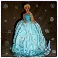 Cupcake Toppers, Cupcake Cakes, Cupcakes, Elsa Doll Cake, Doll Cakes, Frozen Cake, Elsa Frozen, Fondant, Icing