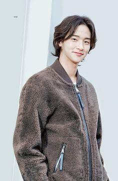 Asian Guys, Asian Men, Kdrama Actors, Korean Actors, Trendy Outfits, Actors & Actresses, Babe, Idol, Men Sweater